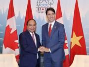 Entretien entre les Premiers ministres vietnamien et canadien