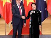 Le président de la Chambre des représentants australienne en visite officielle au Vietnam