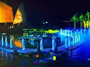 Le spectacle en plein air « Mémoire à Hoi An » attire des touristes