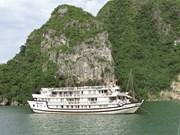 Quang Ninh prend des mesures pour améliorer ses services touristiques