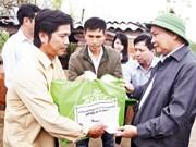 Le Premier ministre Nguyên Xuân Phuc au chevet des sinistrés à Binh Dinh