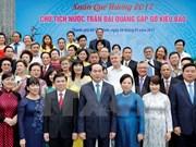 Le président rencontre les compatriotes vietnamiens à l'étranger