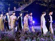 À propos de la modernisation de l'áo dài, la tunique traditionnelle vietnamienne