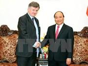 Le Premier ministre Nguyen Xuan Phuc reçoit le PDG du groupe français ADP