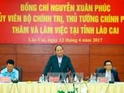 Le PM incite Lào Cai à développer l'économie frontalière