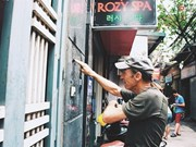 """À Hanoi, un vétéran américain en opération """"murs propres"""""""