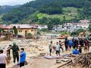 Le PM Nguyên Xuân Phuc demande de gérer rapidement les conséquences des crues