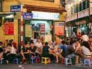 Ta Hiên, la rue qui ne dort jamais à Hanoi