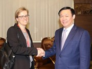 Le vice-PM Vuong Dinh Huê reçoit des diplomates allemands