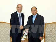 Le Premier ministre Nguyên Xuân Phuc reçoit le directeur général d'AB InBev