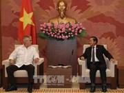 Le vice-président de l'AN Dô Ba Ty reçoit un reponsable cubain