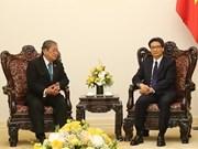 Le vice-PM Vu Duc Dam reçoit le ministre cambodgien de l'Information