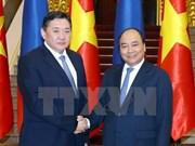 Le PM Nguyen Xuan Phuc reçoit le président du Grand Khoural d'État de la Mongolie