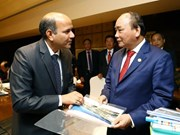 Le PM vietnamien reçoit les dirigeants des groupes indiens  Adani Green Limted et Suzlon