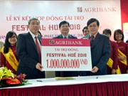 Agribank accorde un milliard de dongs pour Festival de Hue 2018