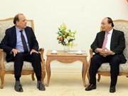 Le PM Nguyên Xuân Phuc reçoit l'ambassadeur du Chili au Vietnam