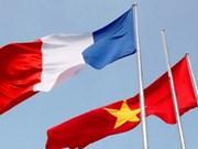 Message de félicitations à l'occasion du 45e anniversaire des relations Vietnam-France