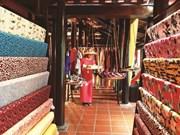 Du fil à l'étoffe, mettre en valeur la soie vietnamienne