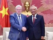 """Un dirigeant vietnamien reçoit des responsables du Parti """"Russie Juste"""""""