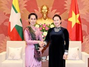 La présidente de l'AN reçoit la conseillère d'État du Myanmar