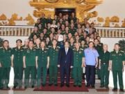 Le Premier ministre rencontre les anciens combattants du Front du Tây Nguyên