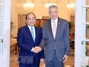 La visite officielle du Premier ministre Nguyên Xuân Phuc à Singapour est un bon succès