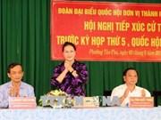 La présidente de l'Assemblée nationale rencontre des électeurs de Can Tho