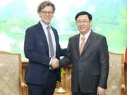 Le vice-PM Vuong Dinh Huê salue l'investissement de Comvik au marché vietnamien