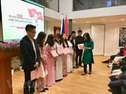 Des activités aux Pays-Bas et au Canada marquent l'anniversaire du président Ho Chi Minh