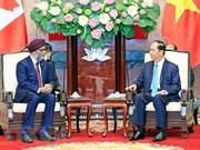 Le président Tran Dai Quang reçoit le ministre canadien de la Défense
