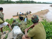 Barrage effondré au Laos : les secouristes à la recherche des portés disparus