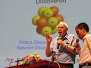 Au Vietnam, un Prix Nobel invite à explorer l'Univers et la matière