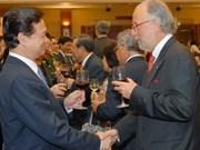 Le PM Nguyen Tan Dung reçoit le corps diplomatique