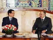 Nguyen Minh Triet en visite d'Etat en Algérie