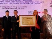 Remise du certificat du GGN pour le plateau calcaire de Dong Van