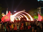 Nouvel An joyeux à Hanoi et à Ho Chi Minh-Ville