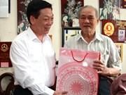 Hanoi accorde des cadeaux aux nécessiteux