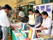 Exposition de livres en l'honneur du 11e Congrès national du PCV