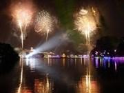 Tet : Hanoi illuminée par les feux d'artifices