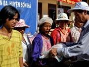 Tet : le gouvernement remet 33.816 tonnes de riz à 11 localités
