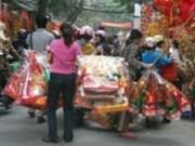 Hanoi animée lors du Têt des Génies du Foyer