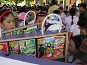 Les enfants de la banlieue de Hanoi ont leur bibliothèque