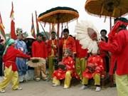 Célébration en grande pompe de la fête de Giong