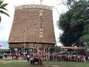 Le Tây Nguyên inaugure sa plus grande Nhà Rông