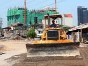 Infrastructures : aides japonaise et américaine pour le Vietnam