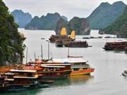 Fête en écho à la campagne de vote pour la baie d'Ha Long