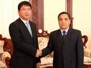 Transport : une délégation vietnamienne au Laos
