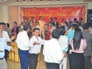 Des Vietnamiens à l'étranger fêtent le Têt du Dragon