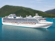 Diamond Princess et Columbus mouillent au Vietnam