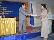 Cambodge : clôture d'un cours de vietnamien à l'AN
